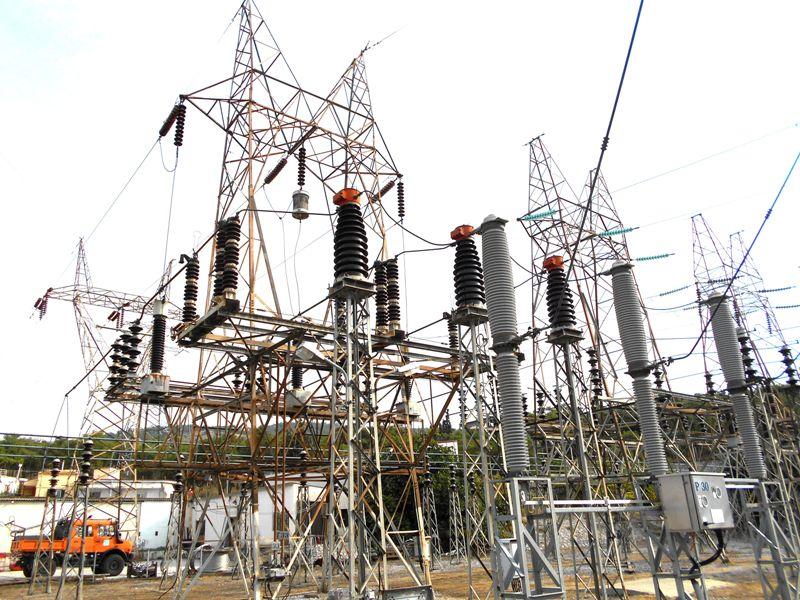 Αποκαταστάθηκε η ηλεκτροδότηση μετά την πυρκαγιά στο ΚΥΤ Κουμουνδούρου – Βραχυκύκλωμα σε μετασχηματιστή η αιτία