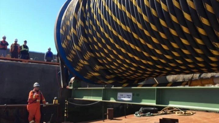 Η πόντιση ,για πρώτη φορά, καλωδίου υπερυψηλής (400kV) στο Ρίο-Αντίρριο