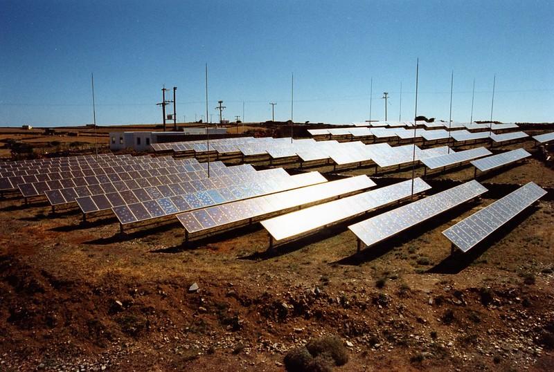 Ηλιακά πάνελ (;) μαζι με λιγνίτη στην Πτολεμαϊδα 5